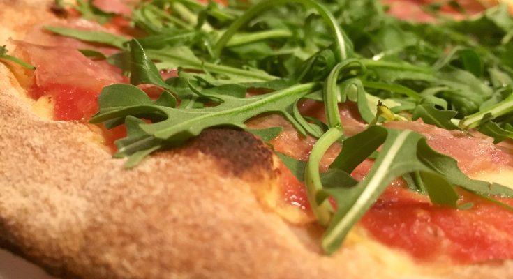 Panificio Il Basilico étterem Pármai sonkás rukkolás pizza